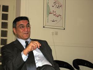 http://www.alighazvini.com/images/Mahmoud_Moazzami.jpg