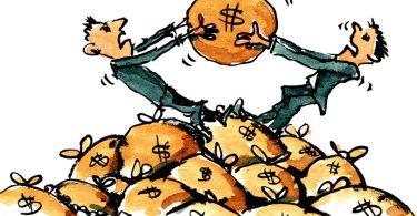 آیا پول درآوردن راحت است؟ - کارتونی که دو مرد را در حال نزاع بر سر کیسۀ حاوی پول نشان میدهد